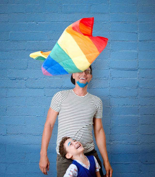 """""""Una parte del progreso social implica entender que una persona no queda definida únicamente por su sexualidad, raza o género."""" - Tim Cook ⠀ Feliz día del orgullo LGBTQ+ ⠀ ⠀ ⠀ #proud #love #gaypride #pride #photographer #happypride #guncle #lovewins #graphicconsultant #lgbtq  #digitalmarketer"""